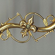 Victorian Gold Pin With Fleur de Lis