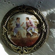 SALE Pretty Vintage Romantic Brooch