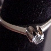 SALE Stunning  Vintage Solitaire Diamond