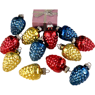 Box Beautiful Shiny Brite 12 Vintage Small Grape Clusters Shapes Glass Christmas Ornaments