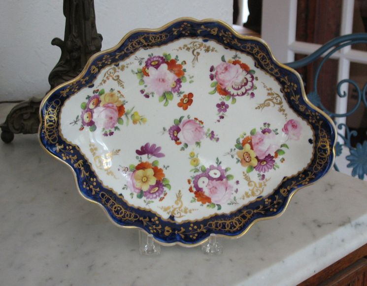 English Porcelain Shaped Dish Circa 1820