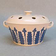 Wedgwood Bulb Pot/Potpourri