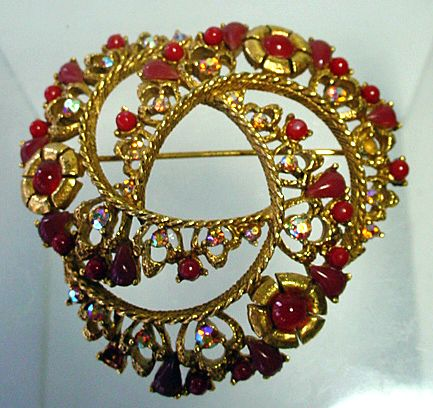 Large Florenza Heart Brooch with  Aurora Borealis and Cabochons, 1960's.