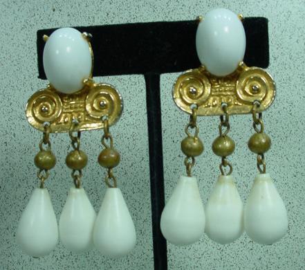 Early Kenneth Lane, Clip on Drop Earrings…