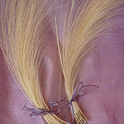2 delicious bunches of vintage French fine cream egret millinery feathers ( 50 ) for projects