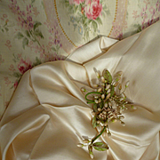 SALE PENDING Delicious morceau unused French cream light weight shimmering silk fabric : perfe