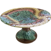 English Majolica Overlapping Begonia Leaf Cake Stand or Comport