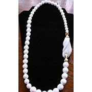 REDUCED Kunio Matsumoto designed Classic white beaded Necklace – Trifari 1970s