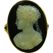 REDUCED Antique Victorian Oval Hardstone Onyx Cameo 14ct Gold Ring ~ c1870
