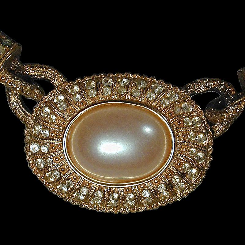 Vintage RICHELIEU Faux Pearl & Goldtone Necklace - 1960s Grand Pearls