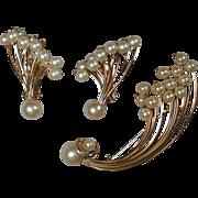 Vintage KRAMER Faux Pearls & Goldtone ~FIREWORKS~ Demi Parure Pin & Earrings