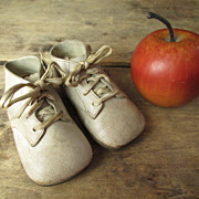 SALE Charming and Simple Vintage Infant Baby Child's White Leather Shoes
