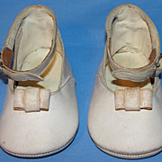 Vintage ca 1940's Quality Leather Toddler shoes or large Doll Shoes