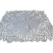 Vintage Hand Made Battenburg Battenberg Lace Tablecloth