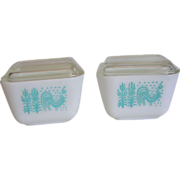 SALE Vintage Pyrex Amish Butterprint Refrigerator Dishes 1 1/2 Cup with Lids