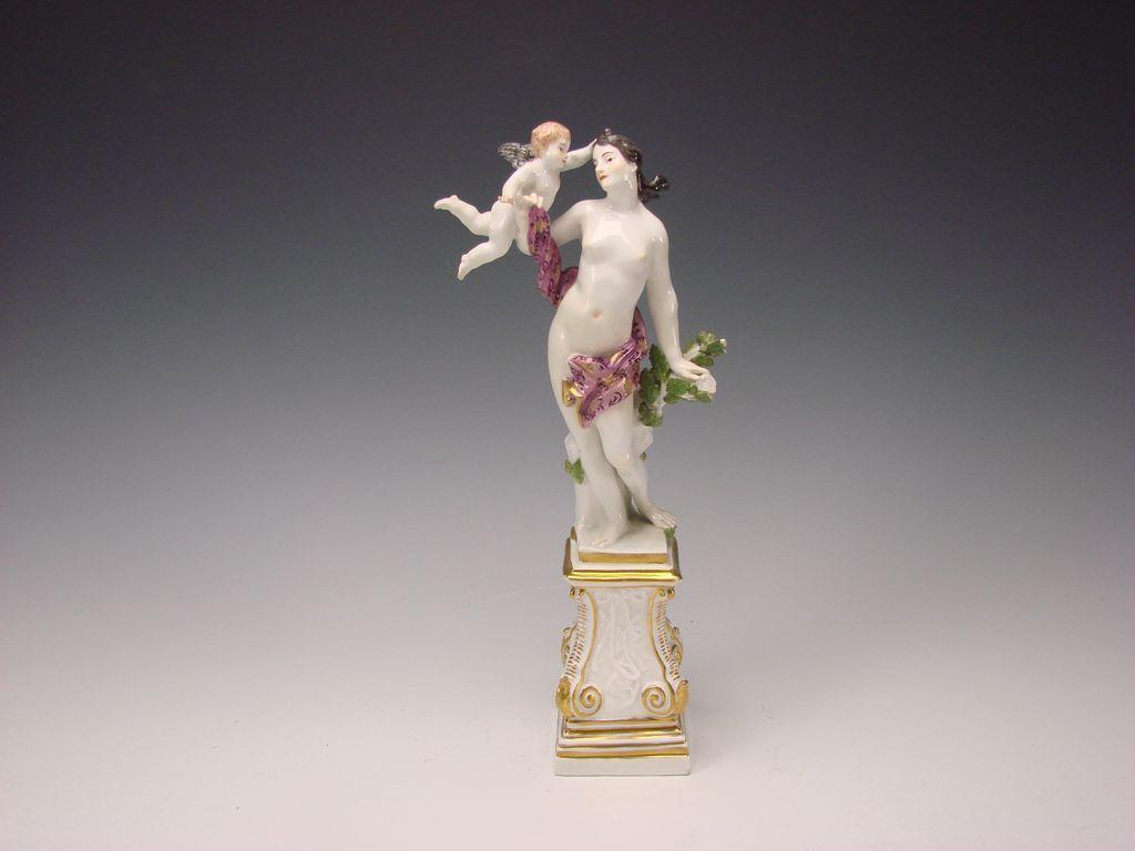 c1741 Meissen Porcelain Venus Nude Cherub Group Eberlein/Kaendler Figurine on Plinth