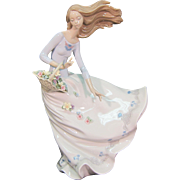 Lladro Figurine Petals on the Wind #6767