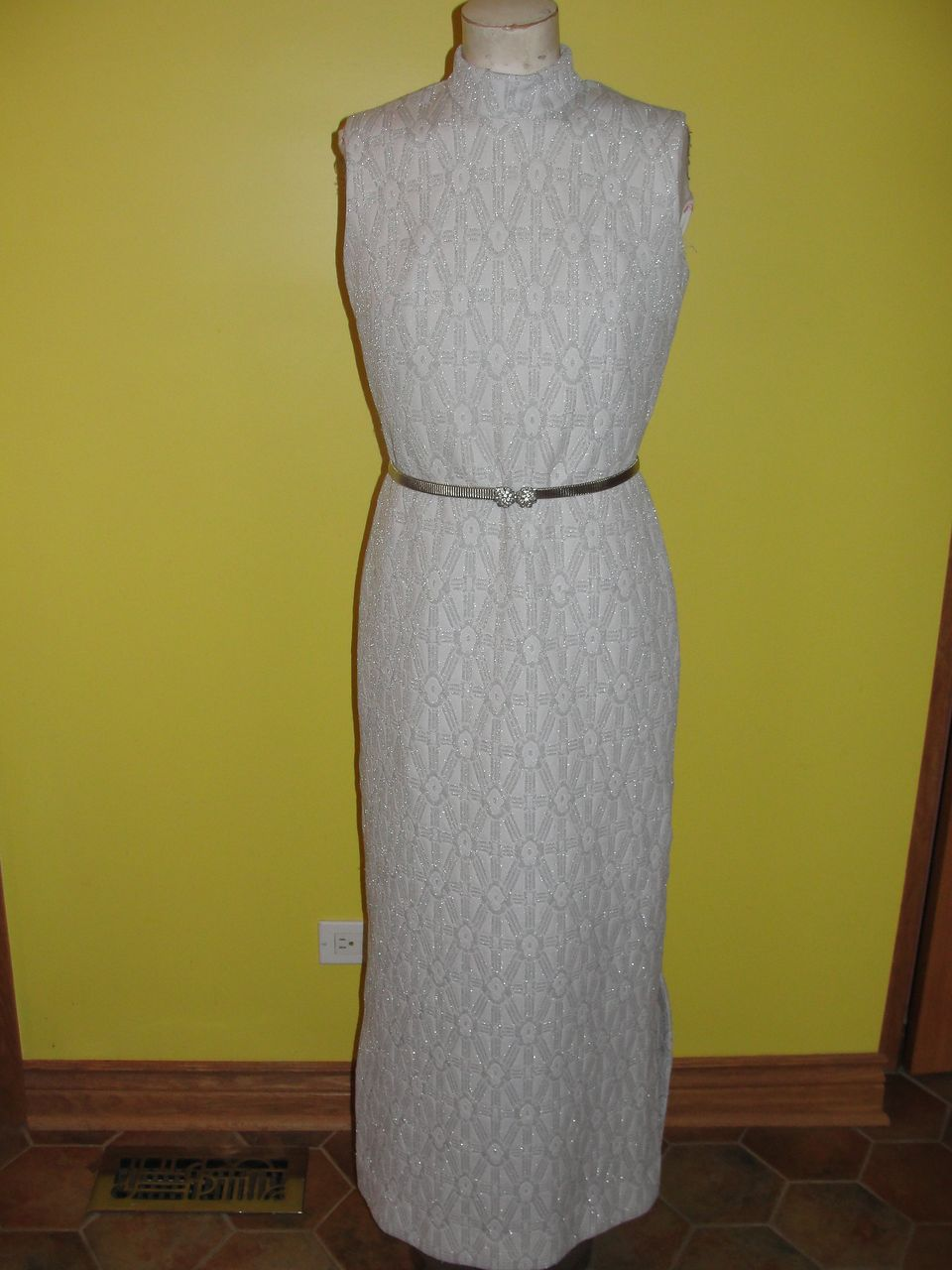 70's Slinky White and Silver Lurex Dress