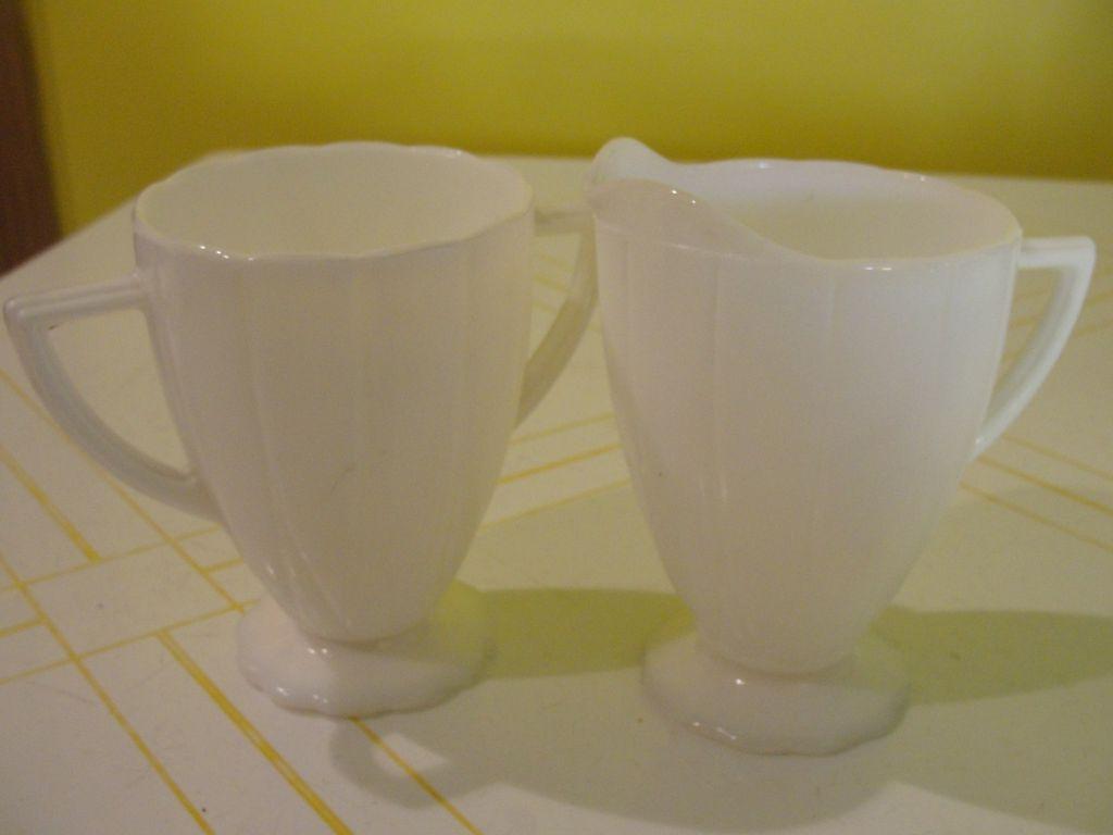 Newport ''Hairpin'' Milk Glass Creamer and Sugar Bowl - b24