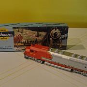 SALE Athearn HO Santa Fe Locomotive  Engine #5944 - b30