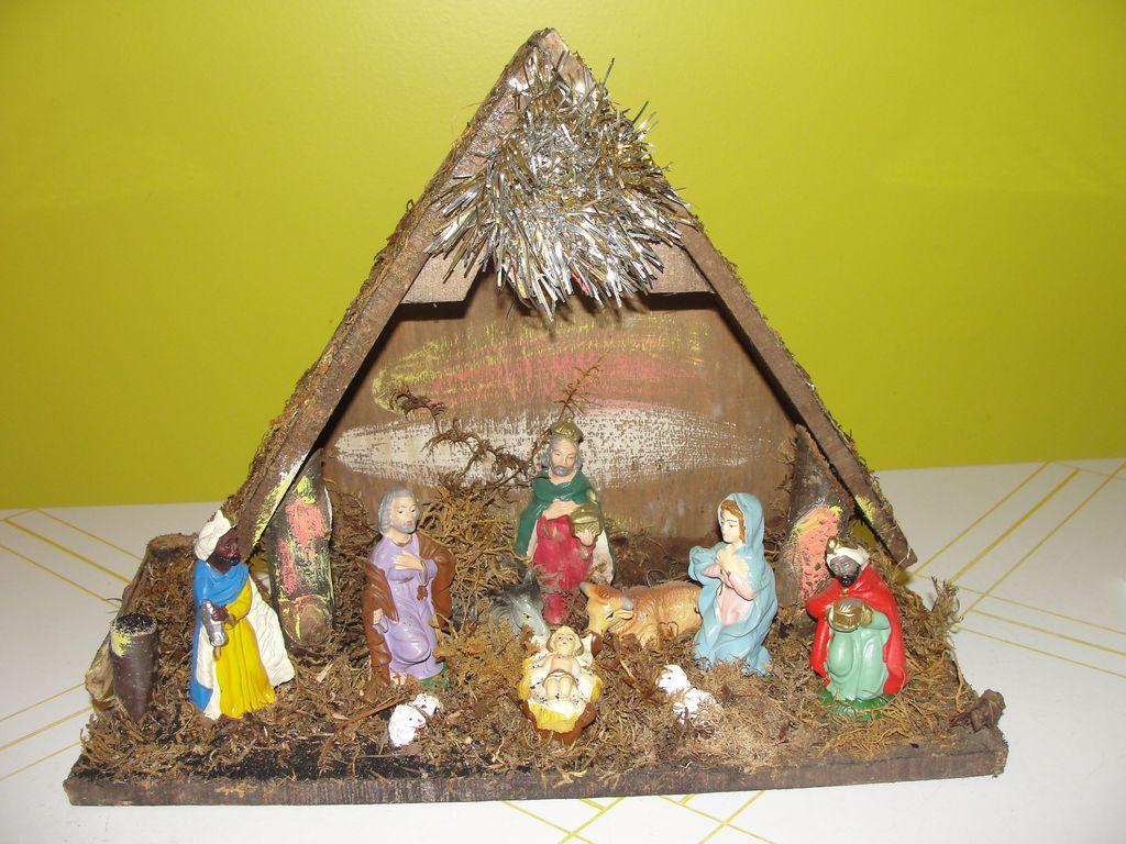 Made in Italy Manger - Nativity - Creche - b40