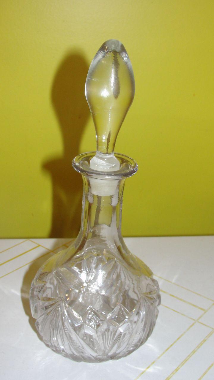 Fan-dango Glass Decanter - b38
