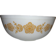 Pyrex Three out of Four Gold Butterfly Nesting Bowls - g