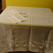 Forever Tulips Cottolene Made in Spain Tablecloth and Napkins - b131