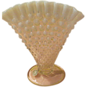 Fan-ciful Fenton Fan Vase - b56