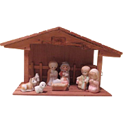 "Little Children 9 Piece Porcelain Nativity with ""Away in the Manger"" Music Box - b18"