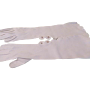 Scalloped and buttoned Elbow Length Gloves - b190
