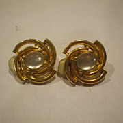 Paolo Gucci Gold Tone Swirl Moonstone Lucite Oval Cab Earrings