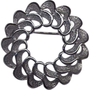 Sarah Coventry Silver Tone Rhodium Plated Openwork Wreath Pin