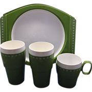 New-Mar Spring Green White Plastic Dish Set