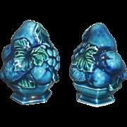Inarco Mood Indigo Blue Green Fruit Grapes Salt Pepper Shakers Pair Japan