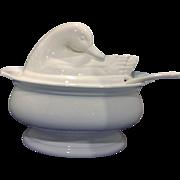 Pfaltzgraff Hearth White Glaze Duck Goose Bird Soup Tureen 3 1/2 Qt With Ladle