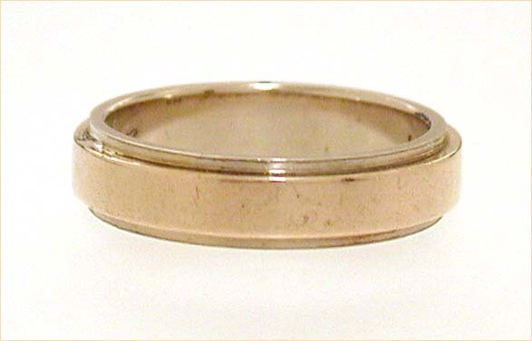 18k Yellow & White Gold Band Ring Stepped Design Vintage 1963