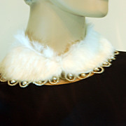 SALE Gorgeous Vintage Rabbit Fur Collar with Faux Pearls
