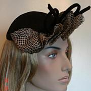 1940 Sophisticated Vintage Black & White Felt Hat
