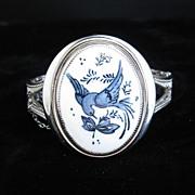 Vintage Whiting & Davis Porcelain Bird Hinge Bracelet