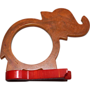 Vintage Bakelite Elephant Marbleized Carmel Napkin Ring W/ Base