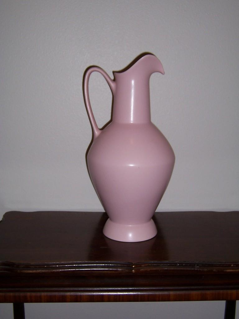 Vintage art glass ewer pitcher