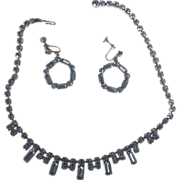 "15.5 "" Blue Rhinestone Necklace and Screw Earrings"