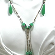 SALE Vintage Green Glass and Rhinestone Accent Necklace