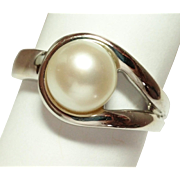 SALE Sterling Silver Cultured Pearl Ring Size 8