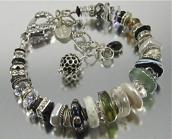 Bracelet ~ THE GLASS MENAGERIE ~ Glass and Glitter
