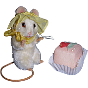 "SALE MIB R. John Wright ""Petit Four"" Mouse from the Springtime Series!"