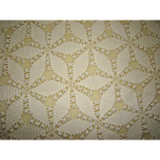 Lovely Vintage Hand CROCHET Lacey Pierced Star Cotton Bed Coverlet Creamy White