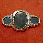 Victorian 12 K Gold Fill Three-Picture Locket Pin, circa 1860s