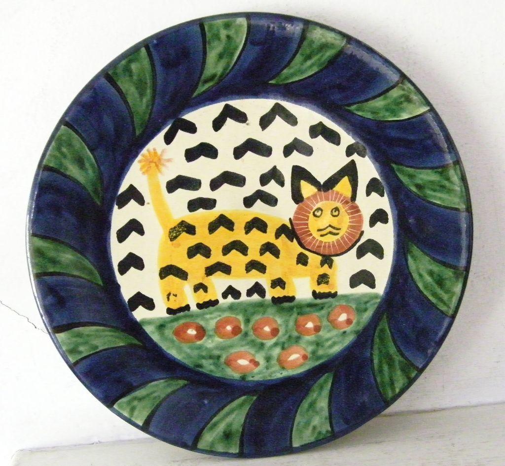 Large Talavera ceramic Plate signed Amora lion and flowers